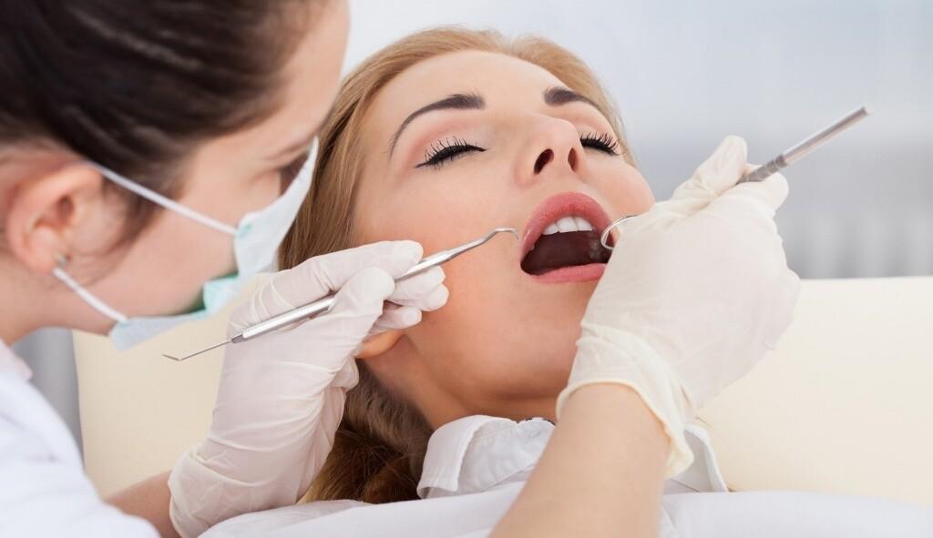 Лечение зубов: кариеса, пульпита под наркозом и без в клинике